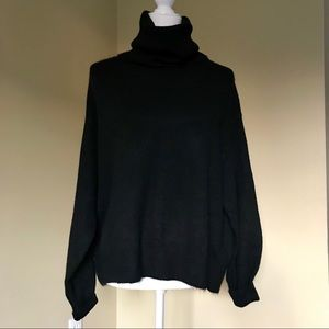 H&M Sweater NWT Size Small